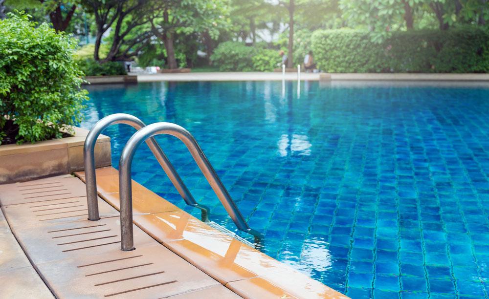 seguros para piscinas en comunidades de vecinos